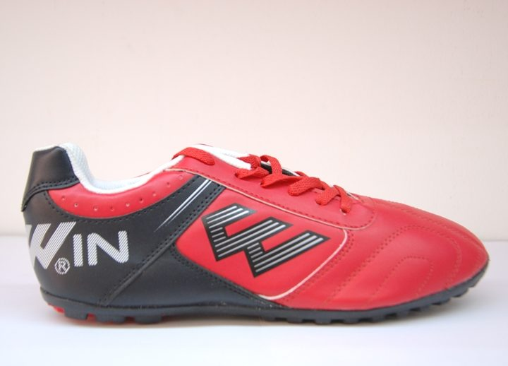 Giày Đá Bóng Prowin FM782 – với 3 màu chọn lựa