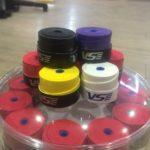 Quấn Cán Vợt VS Loại Có Lỗ Đủ Màu ( Venson Sport)